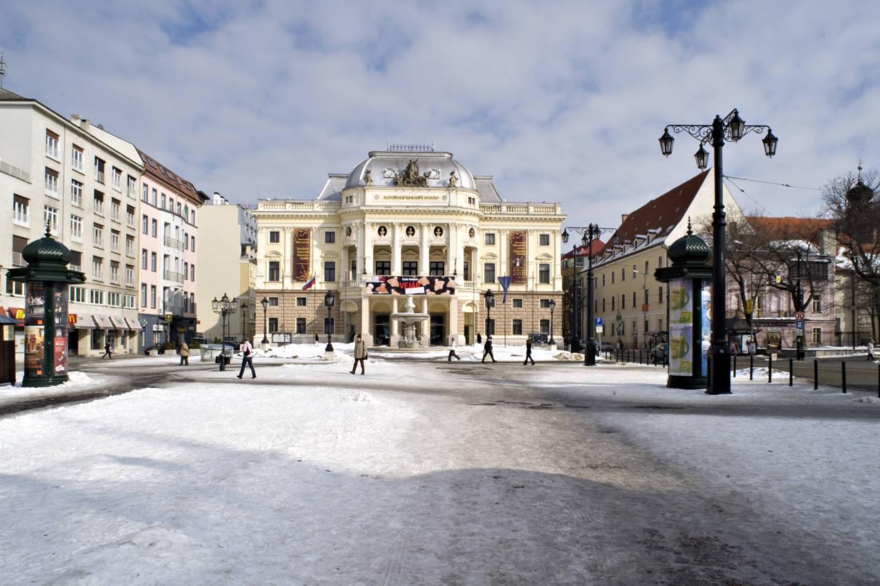 Theatre database / divadelná architektúra v stredoeurópskom priestore